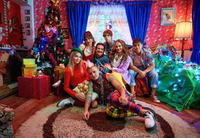 An Unremarkable Christmas (TV) (2020) - Filmaffinity