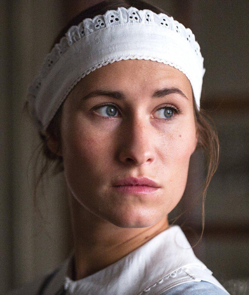 Amalie Dollerup badehotellet (tv series) (2013) - filmaffinity