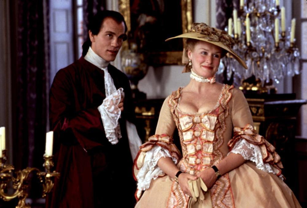 the similarities and differences of the plot and theme in dangerous liaisons and princess of ci Shelley, mary - frankenstein, the novel and the film differences between the plot of the film and the scenes of the theme on which they mainly concentrate.
