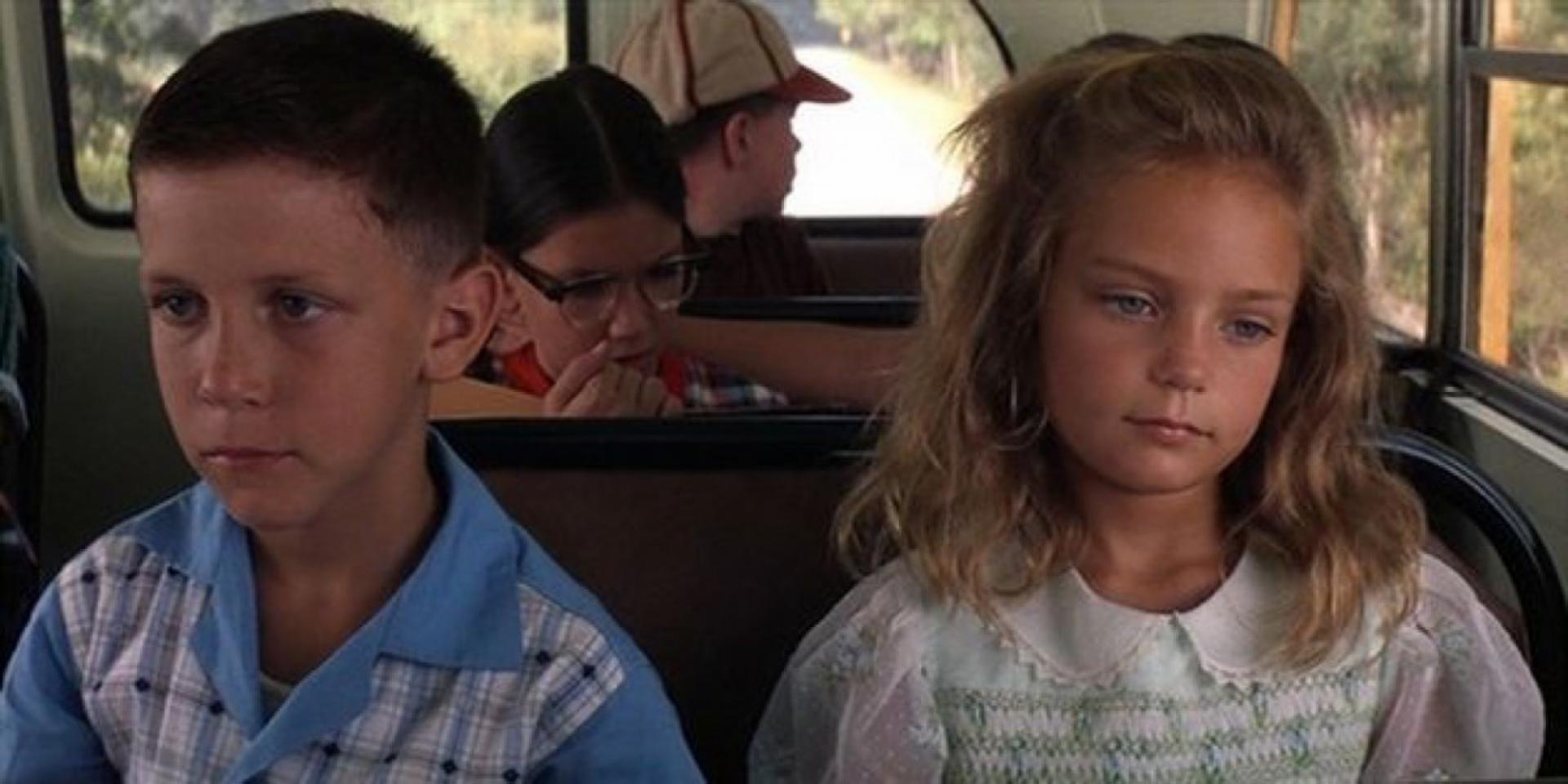 psychological analysis of jenny forrest gump Gump goes through life as a bit of an inept bumbler, oblivious to social signals and norms, but possessed of an ability to focus in on technical details and follow clear instructions with laser-like precision.