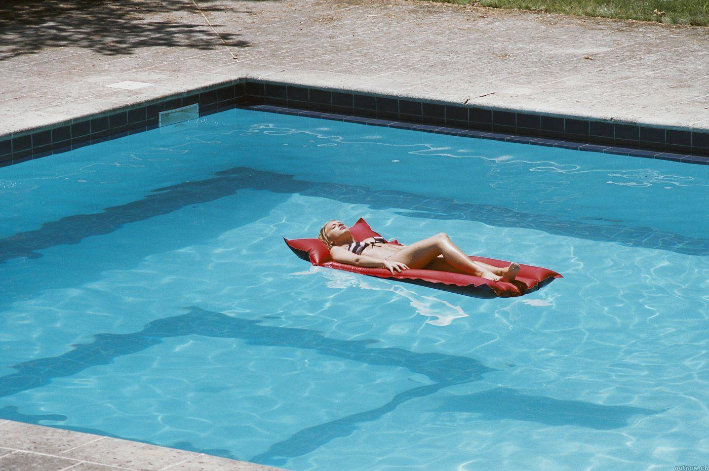 Secci N Visual De Swimming Pool La Piscina Filmaffinity