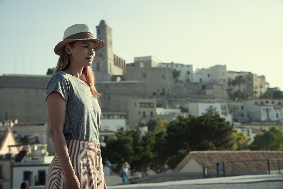 Critica 'White Lines': lo nuevo de Álex Pina no sabe lo que quiere ser