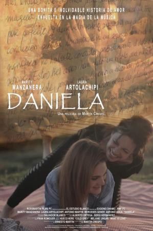 Daniela (C)