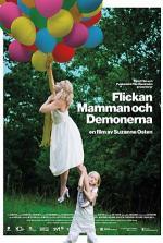 La niña, la mamá y los demonios