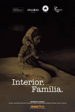 Interior. Família. (C)