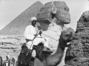 Les pyramides (vue générale) (C)