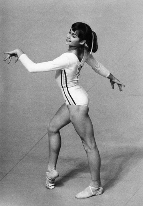 Nadia comaneci the gymnast and the dictator tv 2016 for 1980 floor show dvd