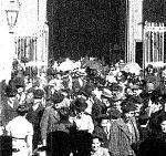 Salida de misa de doce del Pilar de Zaragoza (C)