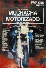 Se solicita muchacha de buena presencia y motorizado con moto propia