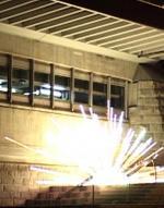 Zwölf Explosionen (C)